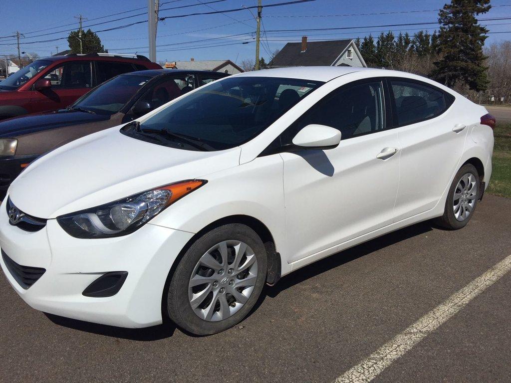 Hyundai Elantra: Tilt steering