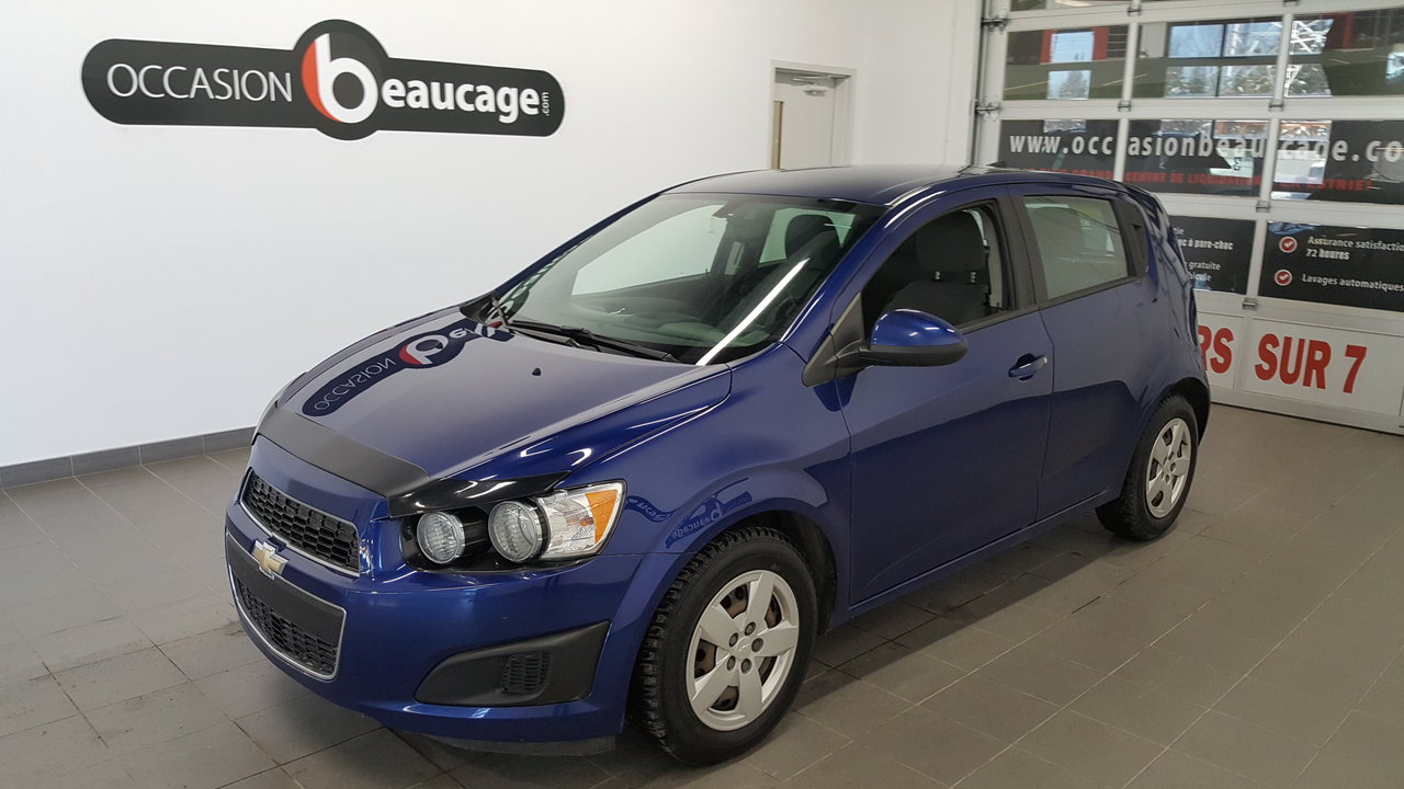 2014 Chevrolet  Sonic LS, bluetooth, air conditionné