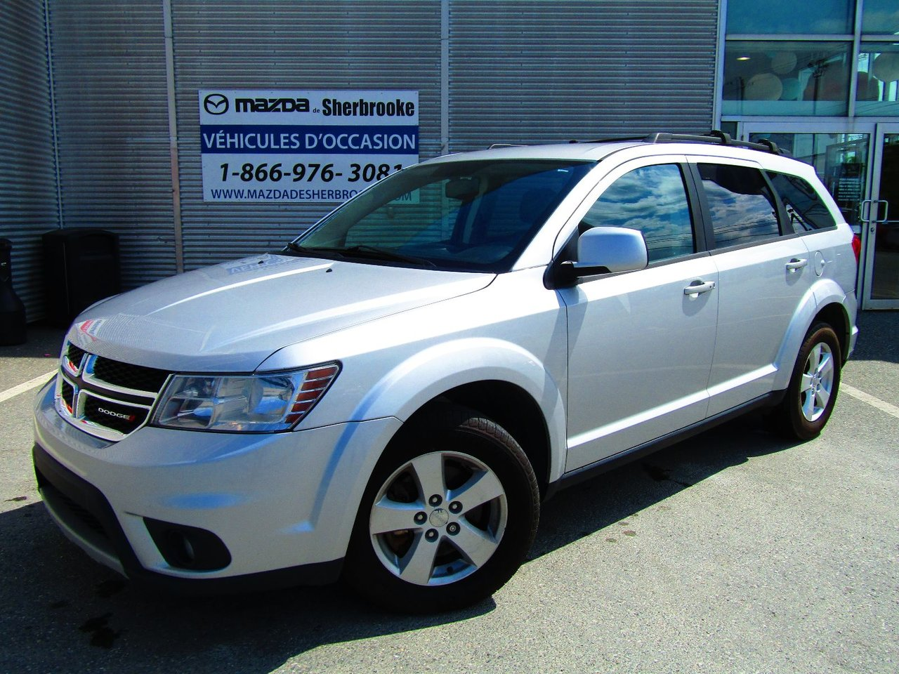 dodge journey 2014 d 39 occasion vendre chez mazda de sherbrooke. Black Bedroom Furniture Sets. Home Design Ideas
