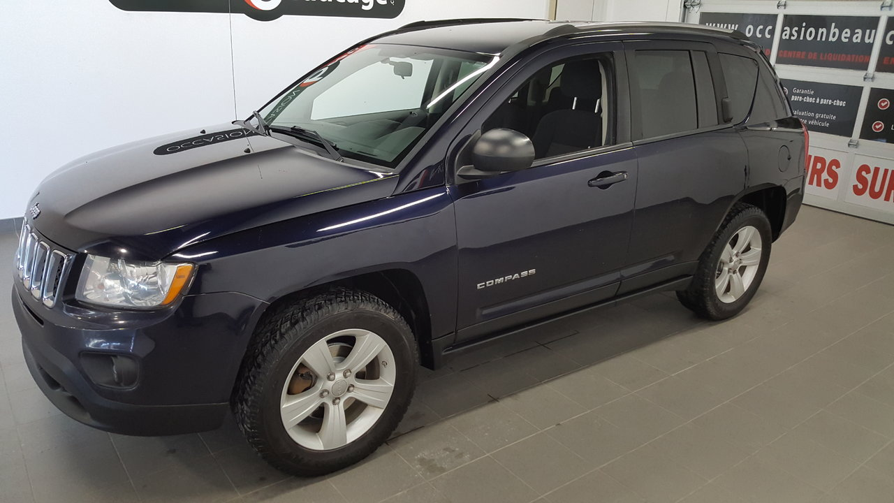 jeep compass 2011 d 39 occasion vendre chez occasion beaucage sherbrooke. Black Bedroom Furniture Sets. Home Design Ideas