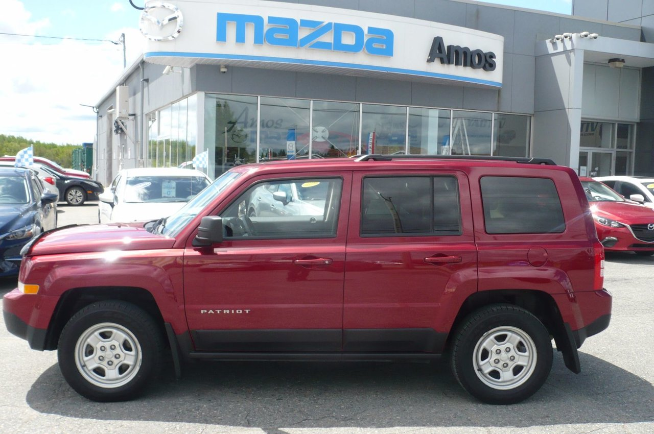 jeep patriot 2014 d 39 occasion vendre chez amos mazda. Black Bedroom Furniture Sets. Home Design Ideas
