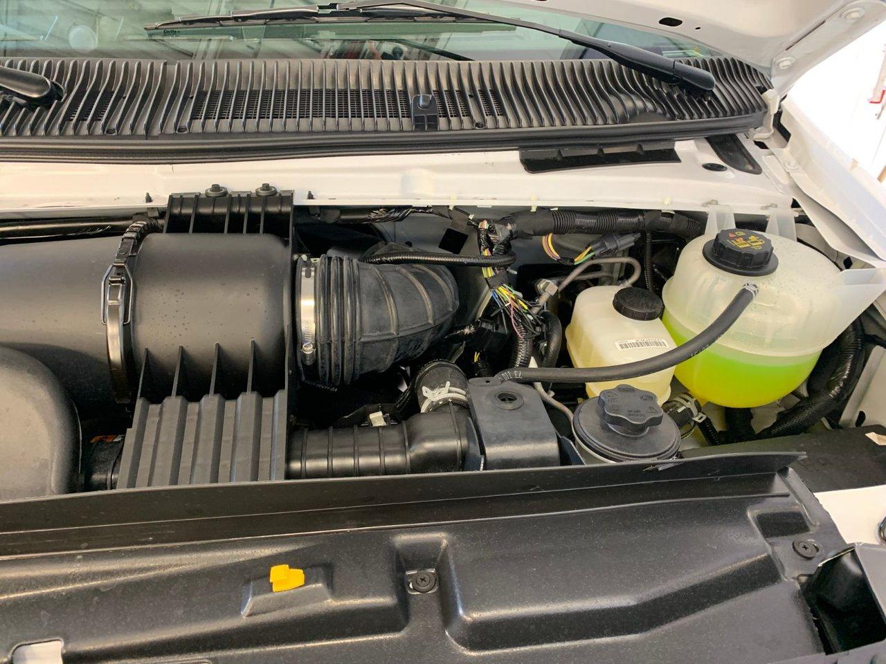 2019 Ford E-Series Cutaway E-450 CUBE 16 PIEDS