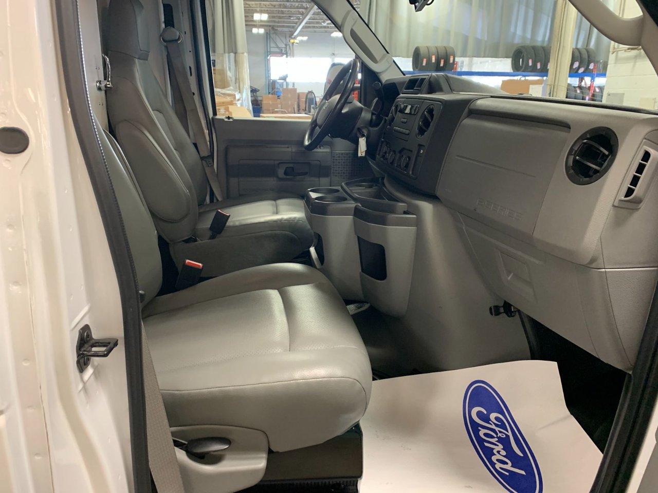 2019 Ford E-Series Cutaway CUBE 16 PIEDS AVEC RAMPE