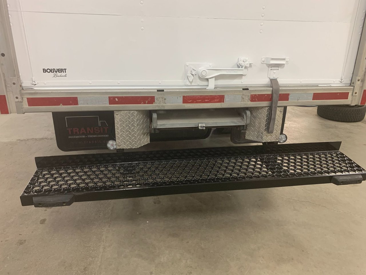 2011 Ford Econoline Commercial Cutaway E-450 CUBE 16 PIEDS