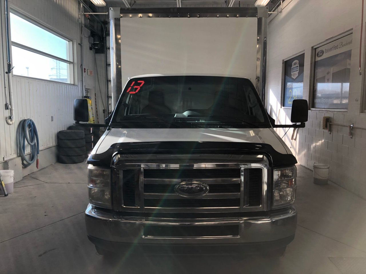 2013 Ford Econoline Commercial Cutaway E-450 16 PIEDS