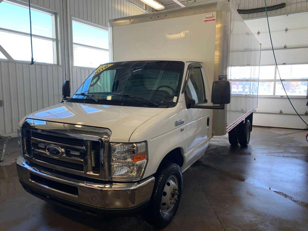 2016 Ford Econoline Commercial Cutaway E-450 CUBE