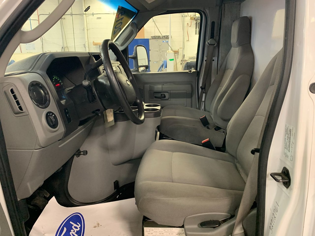 2016 Ford Econoline Commercial Cutaway E-350 CUBE 16 PIEDS