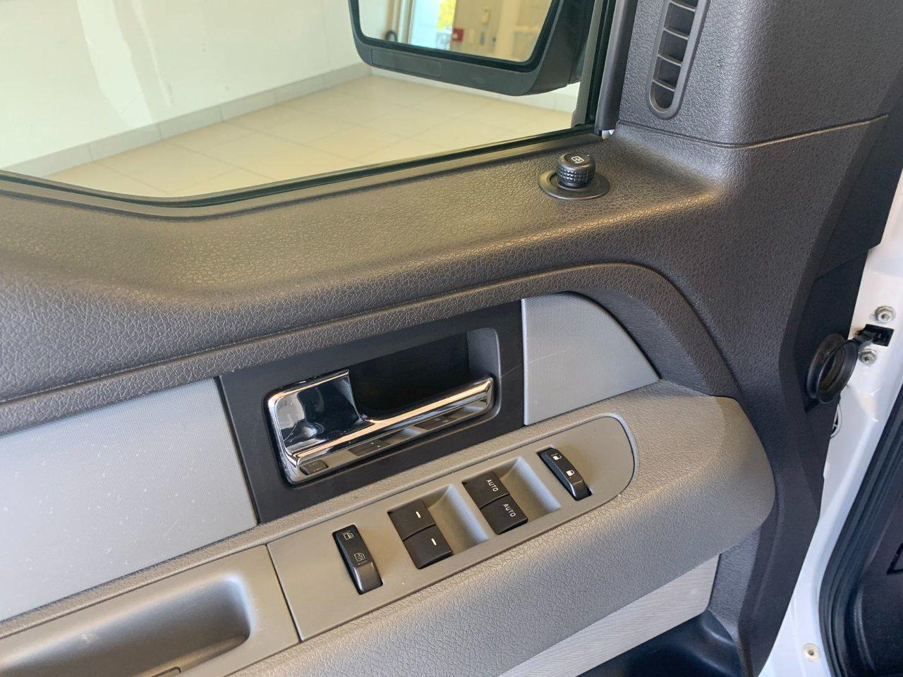 2013 Ford F-150 XL 4X4 BOITE A RANGEMENT