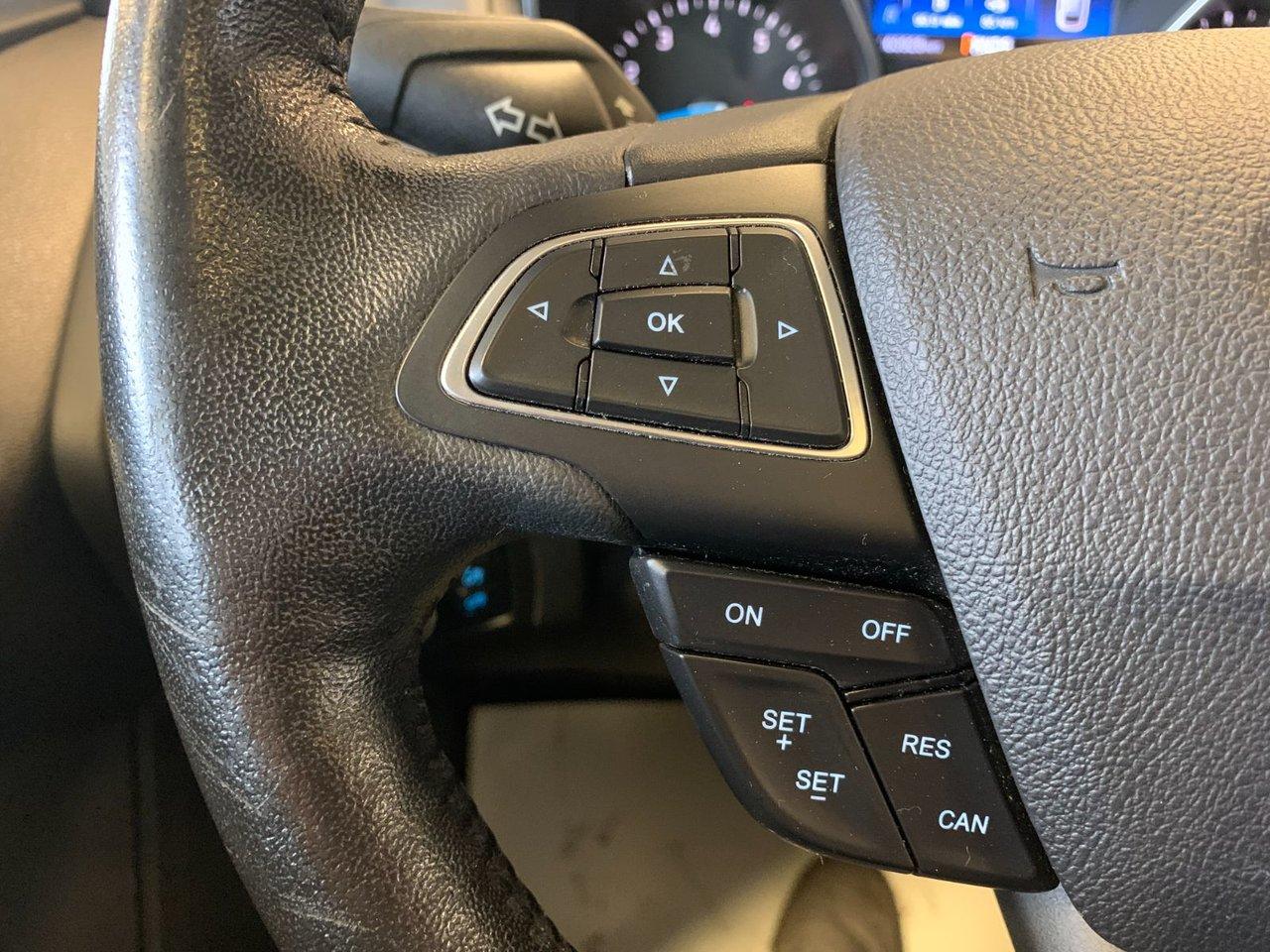 2017 Ford Focus SEL SPORT