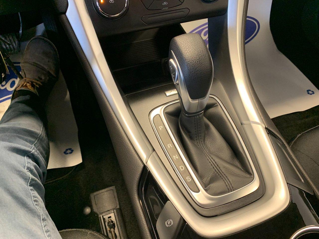 2016 Ford Fusion SE FWD