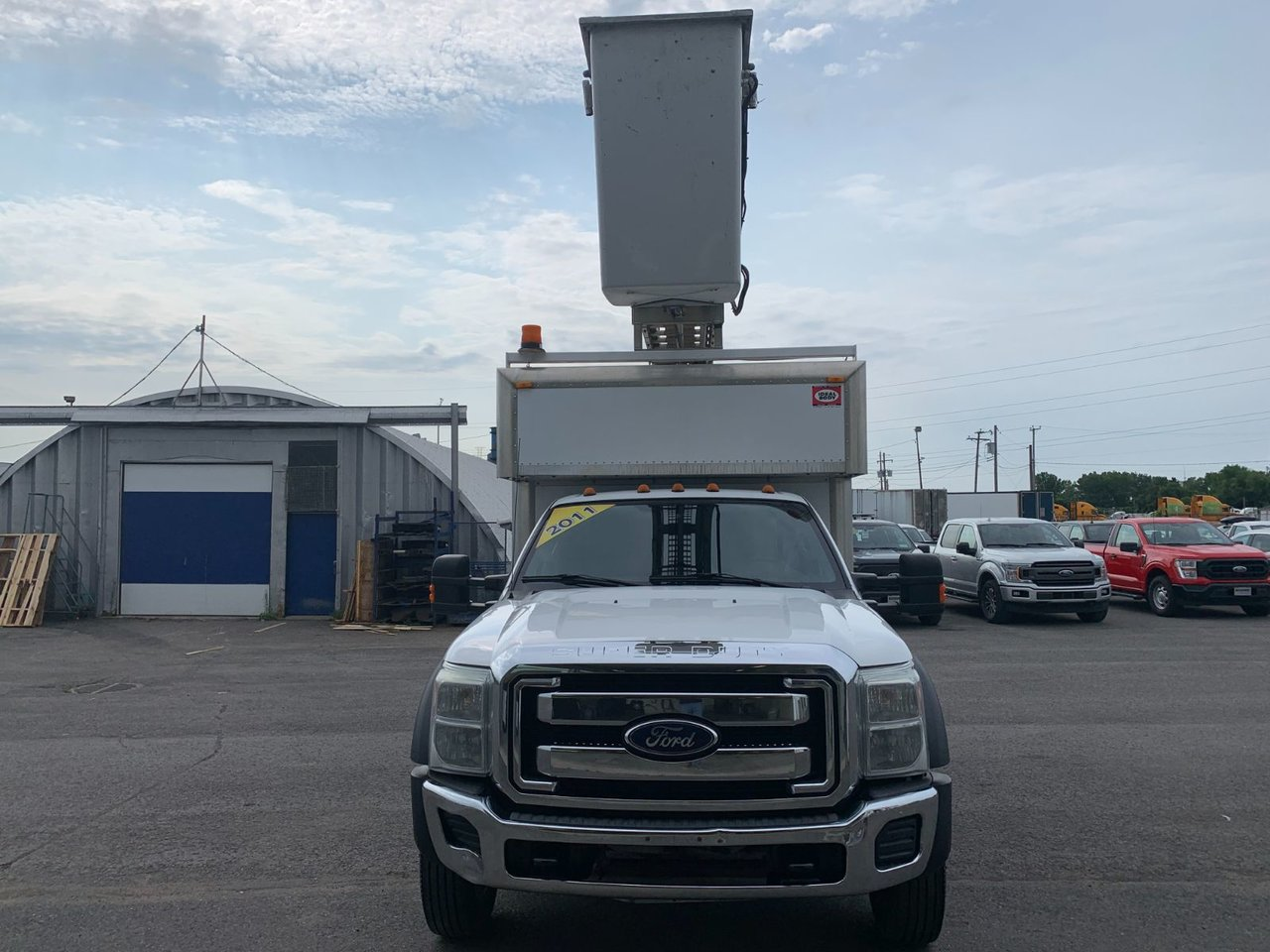 2011 Ford Super Duty F-450 DRW CUBE NACELLE