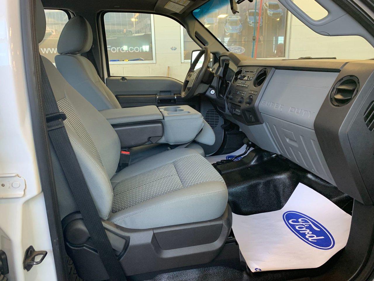 2014 Ford Super duty F-550 DRW XL 4X4 PLATFORME