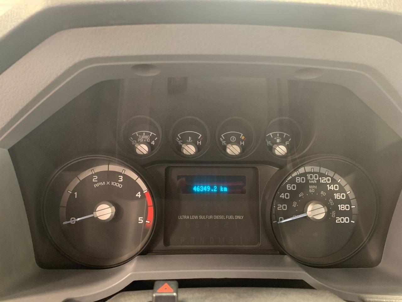 2015 Ford Super duty F-550 DRW XL 4X4 PLATFORME
