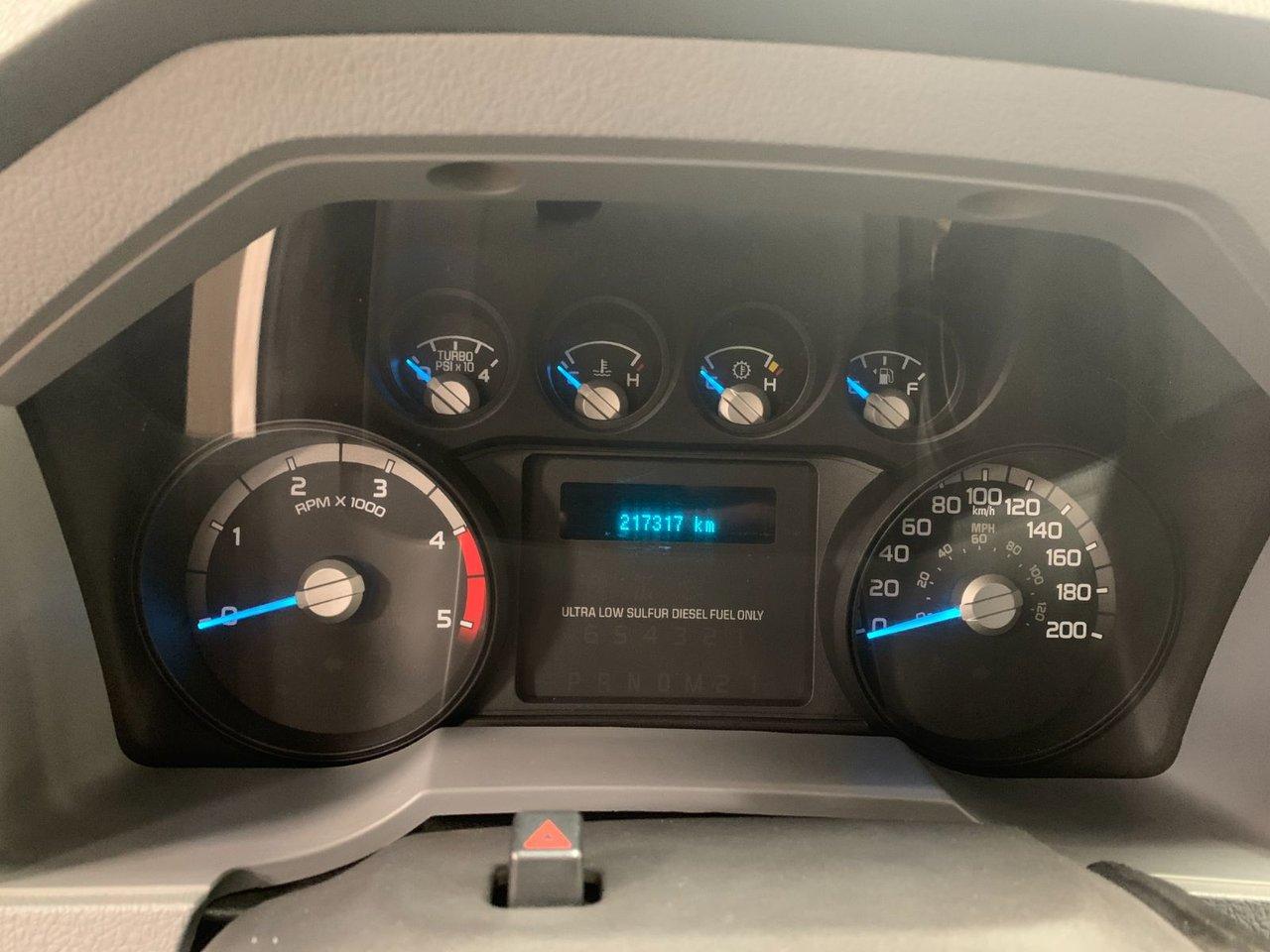 2016 Ford Super duty F-550 DRW XL 16 PIEDS