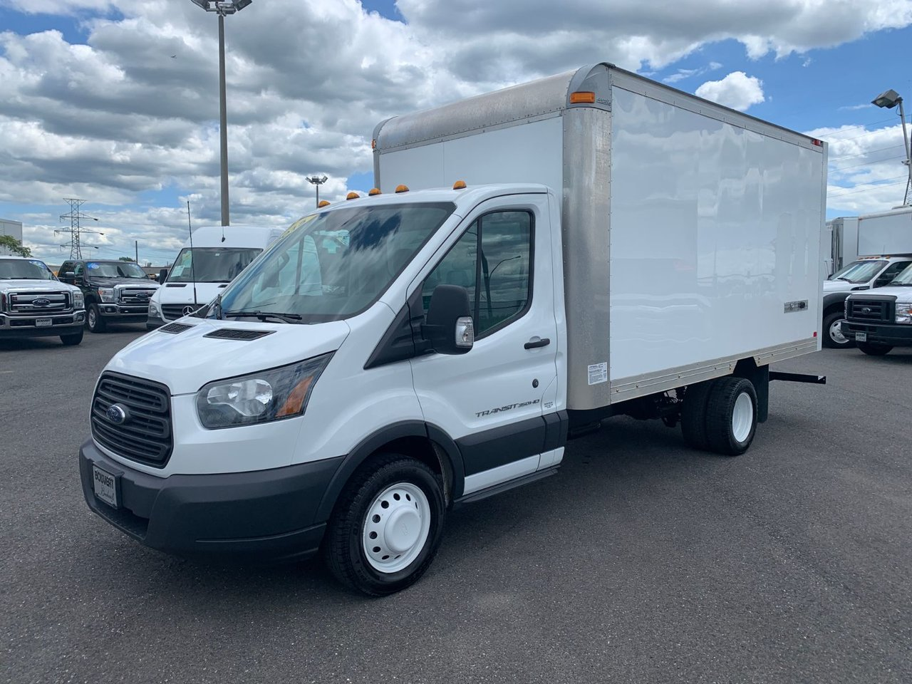 2015 Ford Transit Chassis Cab CUBE 14 PIEDS