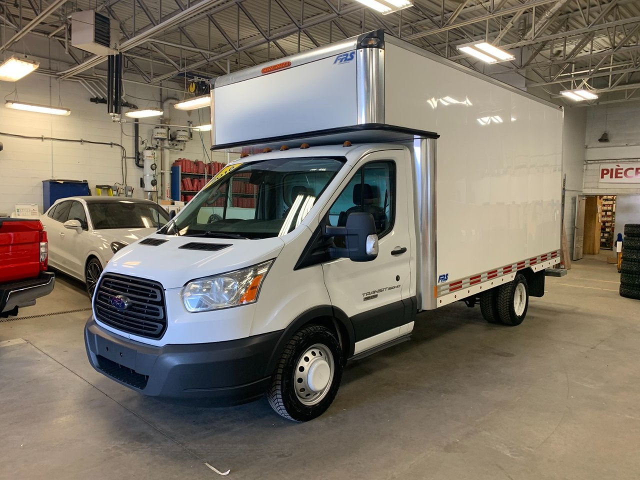 2016 Ford Transit Chassis Cab CUBE 14 PIEDS 350
