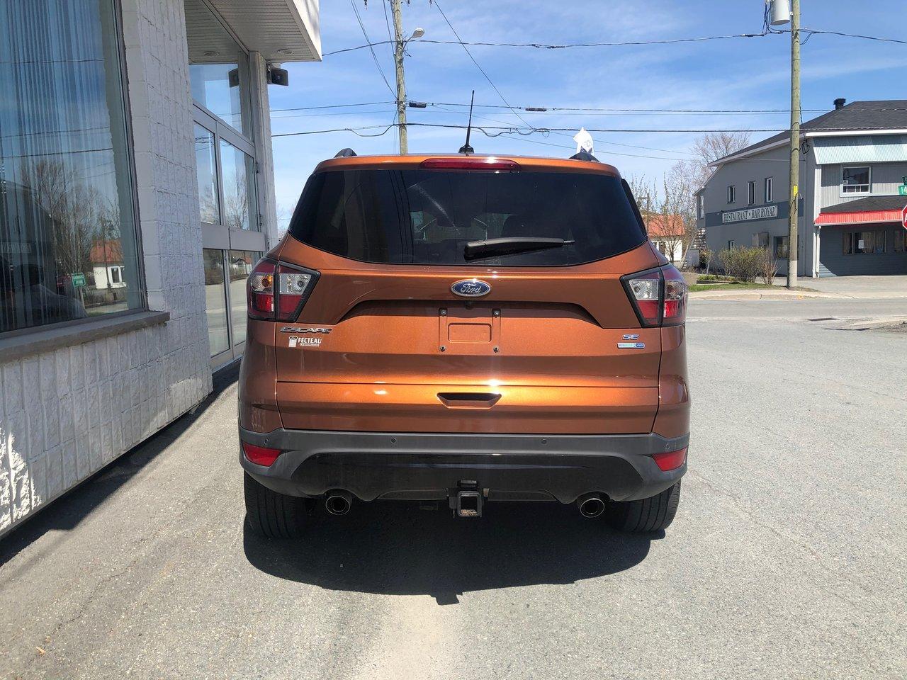 2017 Ford Escape SE, AWD, ENSEMBLE NOIR, CERTIFIÉ FORD