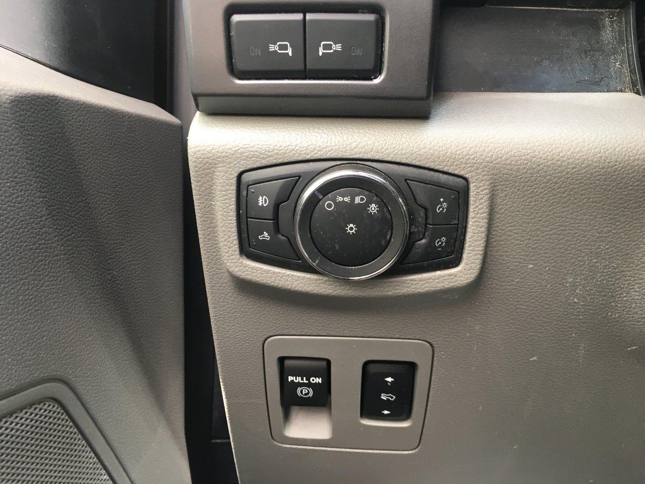 2016 Ford F-150 XLT, CREW,MOTEUR 2.7L, BOITE 5,5