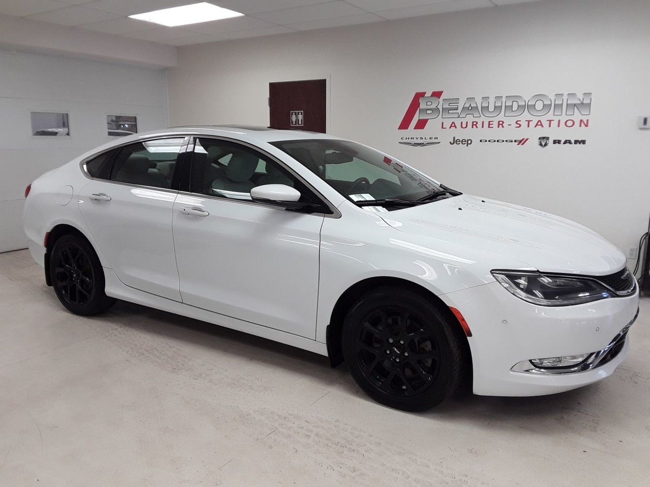 2016 Chrysler  200 C  AWD INT CUIR, TOIT OUVRANT PANORAMIQUE