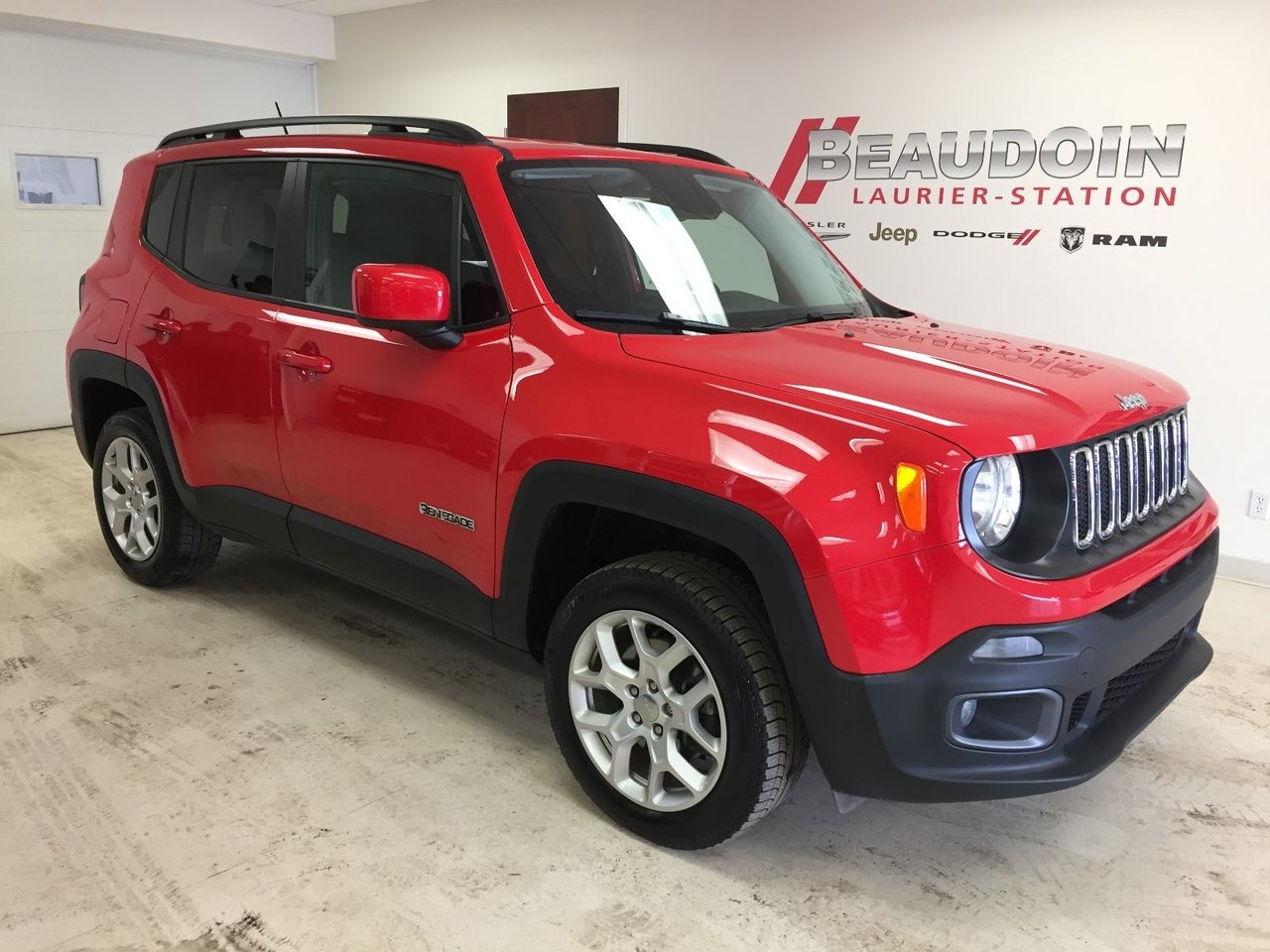 2016 Jeep  Renegade North 4X4, AUTO