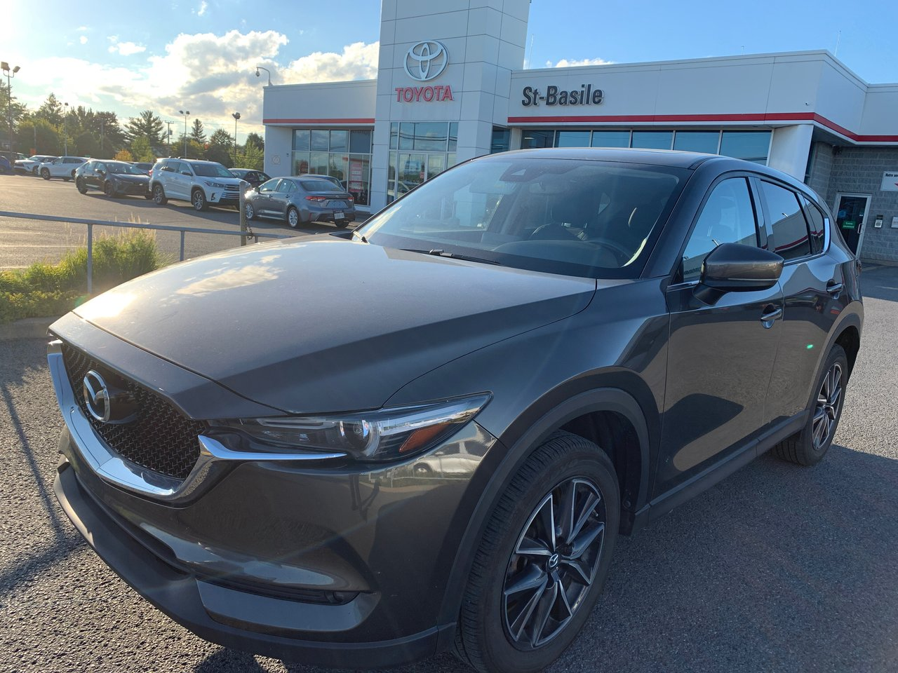 2017 Mazda  CX-5 GT MAGS CUIR TOIT SIEGES CHAUFFANTS CAMERA RE