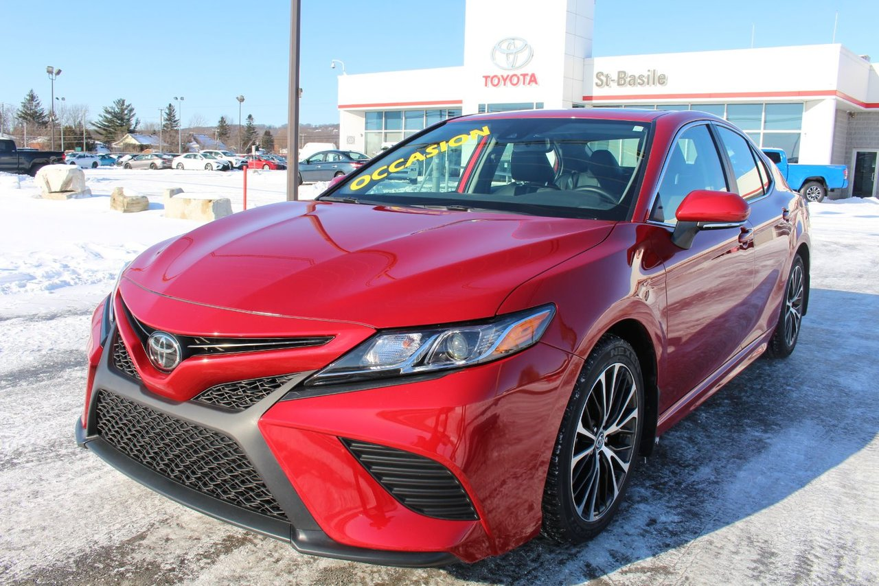 2019 Toyota  Camry SE AMELIORE CUIR TOIT MAGS SIEGES CHAUFFANTS