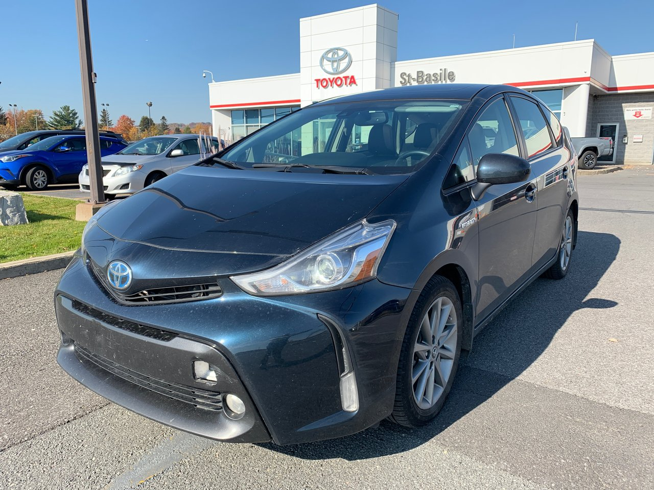 2017 Toyota  Prius v TECHNOLOGIE MAGS TOIT VITRE CUIR SIEGES CHAUF