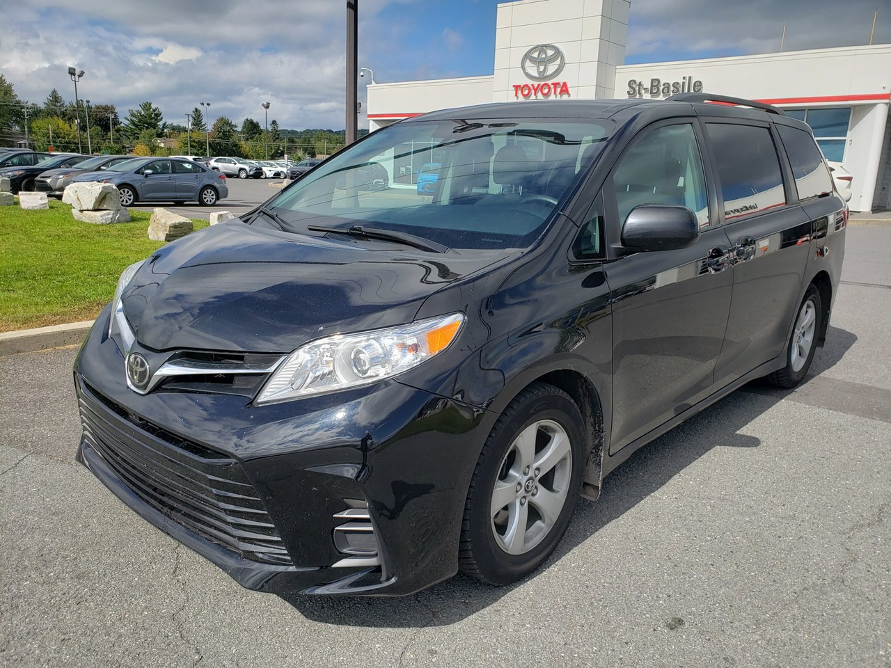 2018 Toyota  Sienna LE 8 PASSAGERS SIEGES CHAUFFANTS CAMERA BLUTO