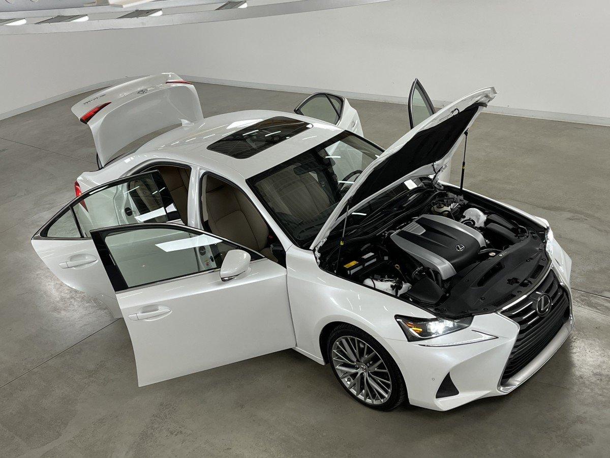 Lexus IS 2018 IS 300