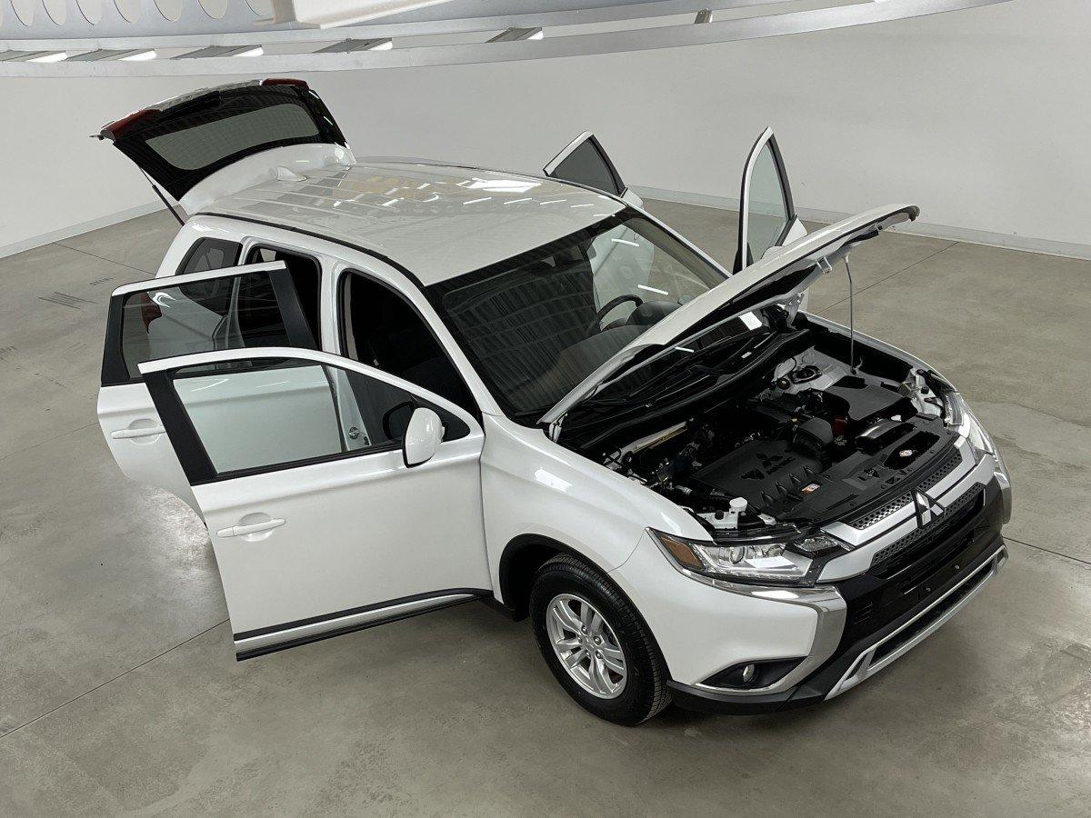 Mitsubishi Outlander 2020 2.4 7 PASSAGERS