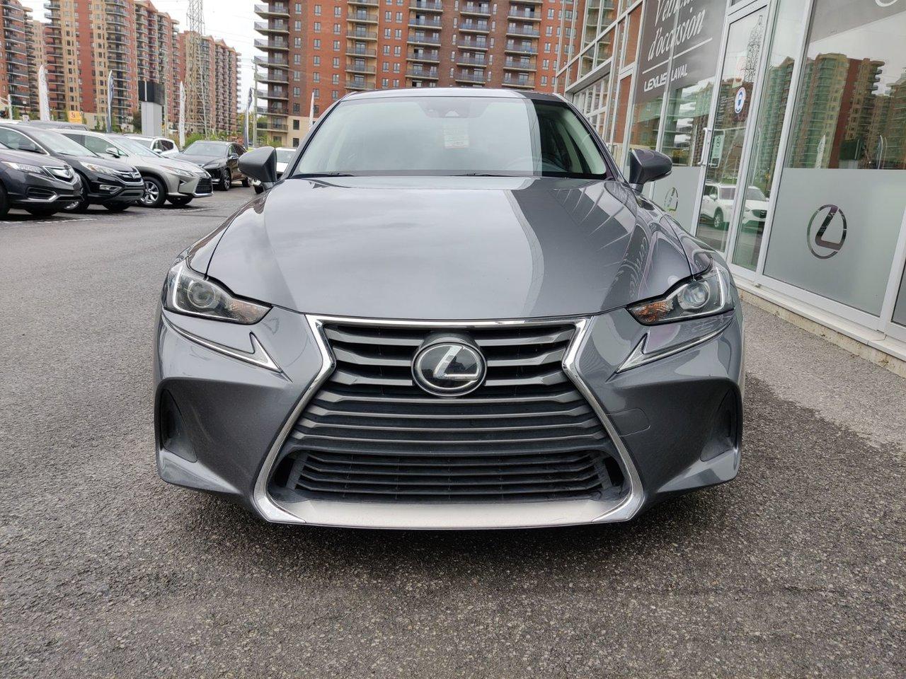 Lexus IS 2018 Premium / AWD / Toit Ouvrant