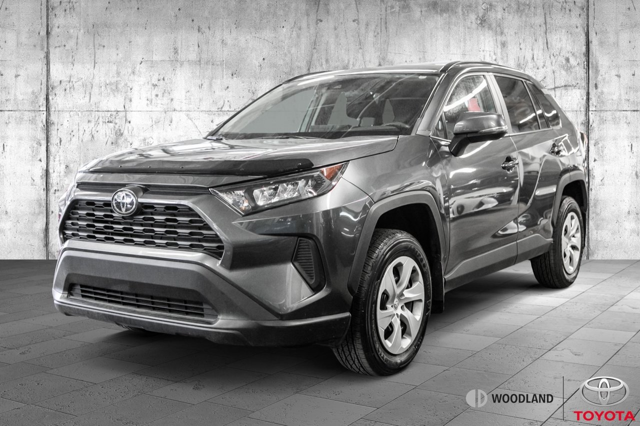 2020 Toyota RAV4 LE * AWD * Bluetooth * Caméra * Mags * Air ++