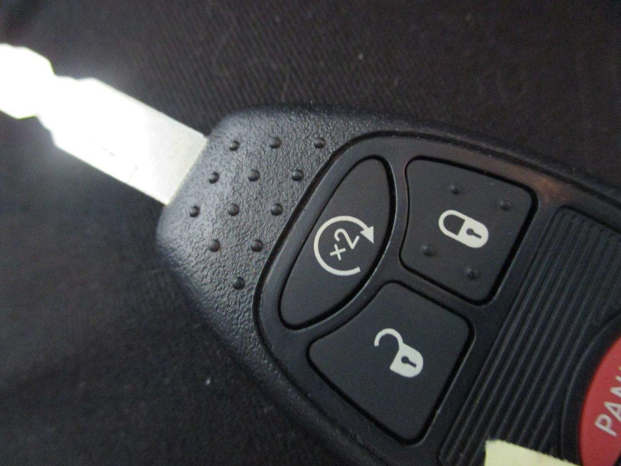 Jeep compass 2015 d 39 occasion vendre chez levis chrysler for Interieur jeep compass