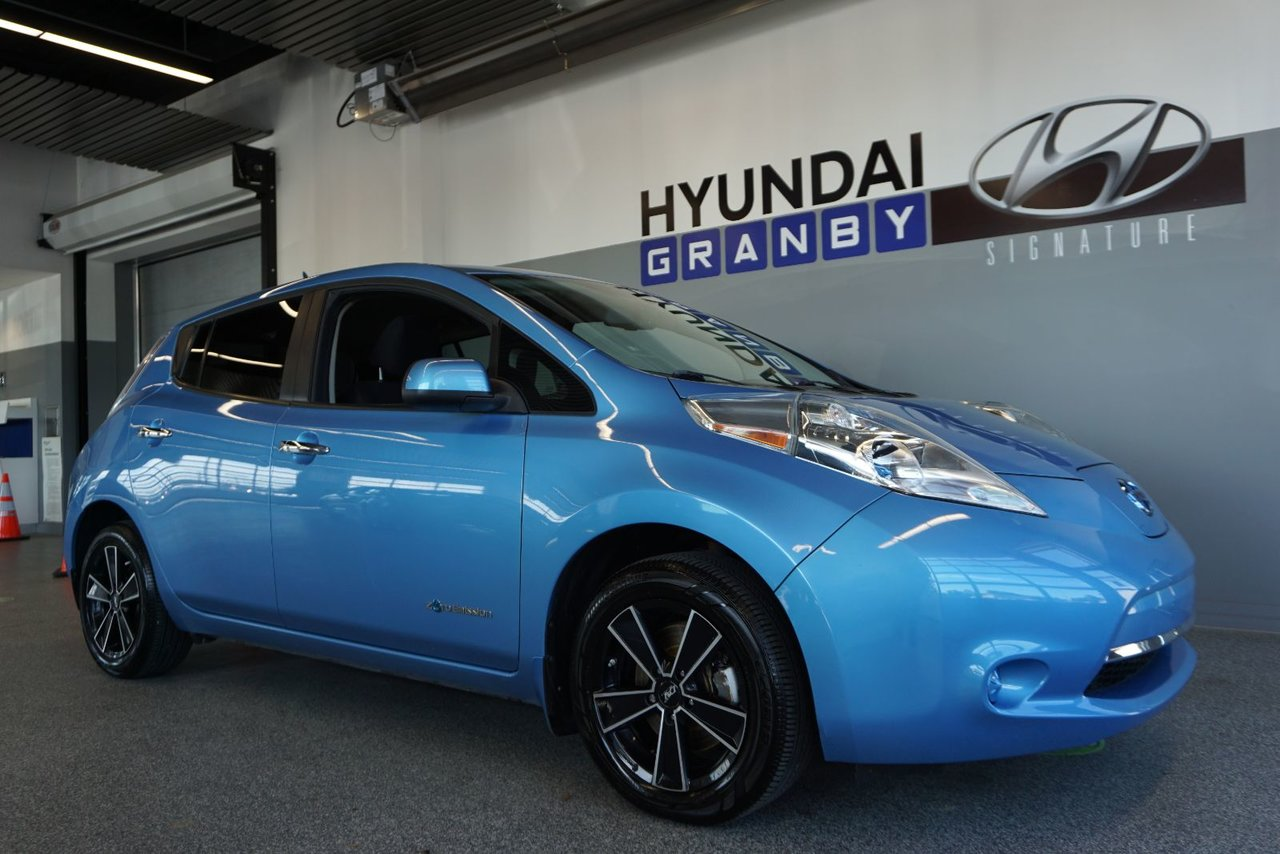 2014 Nissan  Leaf SV NAVI CAM  MAGS AC GROUPE ELECTRIQUE COMPLE