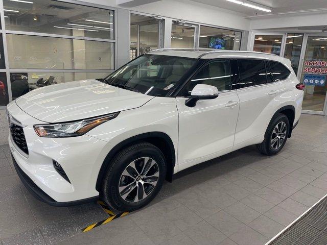 2021 Toyota Highlander AWD XLE AVEC PEINTURE PREMIUM