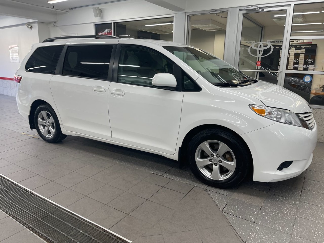 Toyota Sienna 2017 LE 8 Passagers