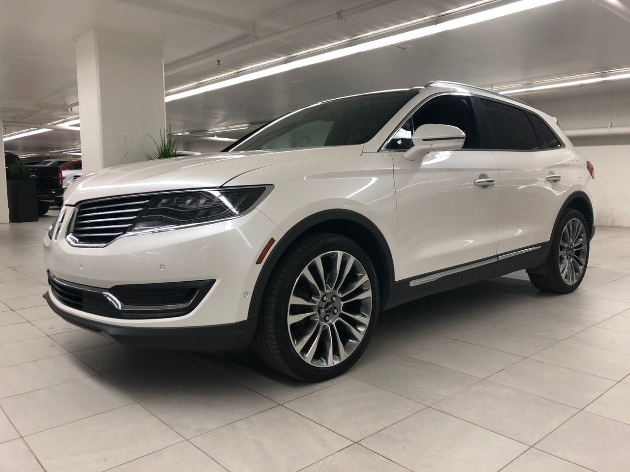 2016 Lincoln  MKX Reserve Lux Package - V6 2.7L - Tech Package