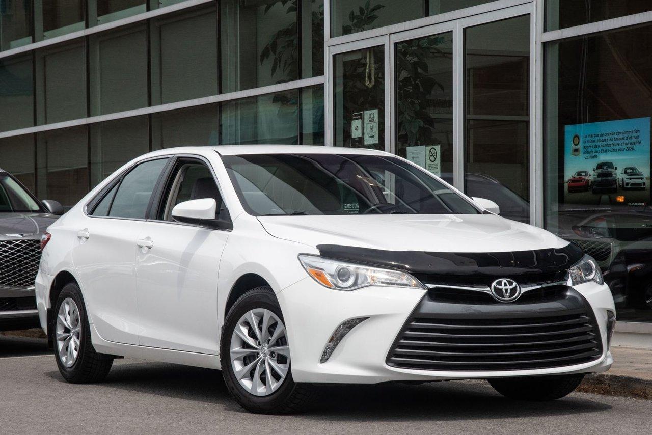 Toyota Camry 2015 LE JAMAIS ACCIDENTÉ CAMERA SIÈGES CHAUFFANT C