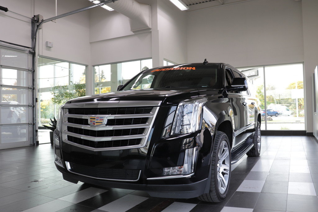 Cadillac Escalade 2019 LUXURY CUIR TOIT NAV MOTEUR 6,2L