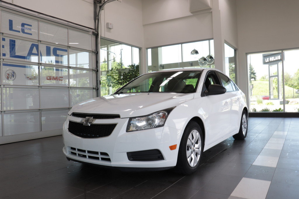 Chevrolet Cruze 2014 MODEL LS MANUELLE INSPECTER ET CERTIFIER