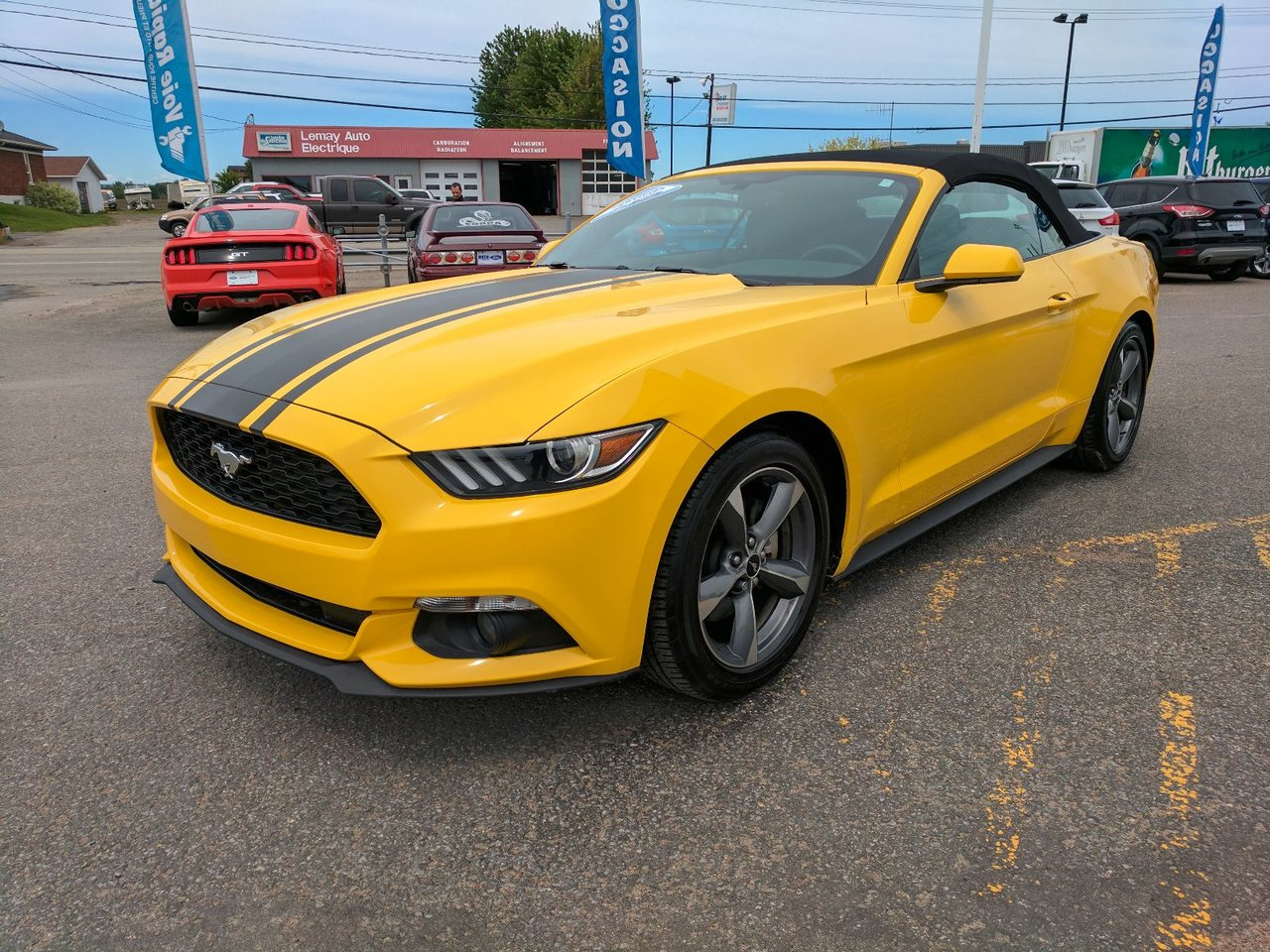 ford mustang 2015 vendre louiseville qc 1905151703 guide auto. Black Bedroom Furniture Sets. Home Design Ideas