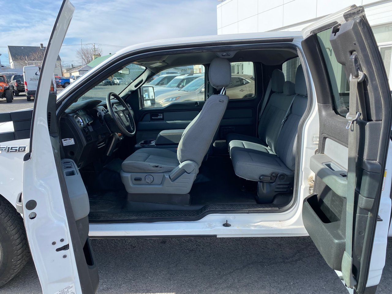 2013 Ford F-150 2X4   XLT Cab double