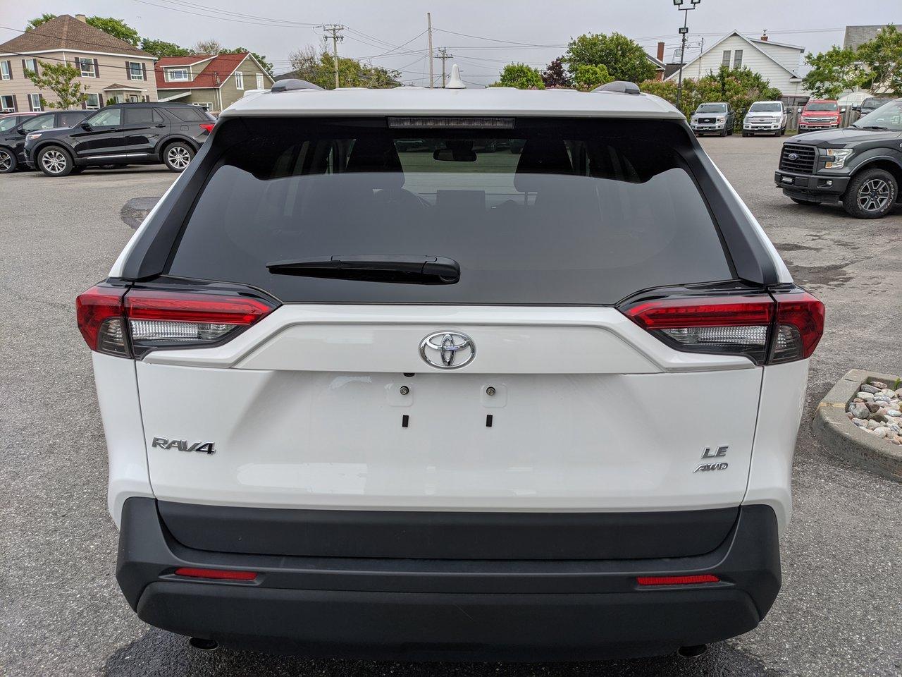2020 Toyota RAV4 LE
