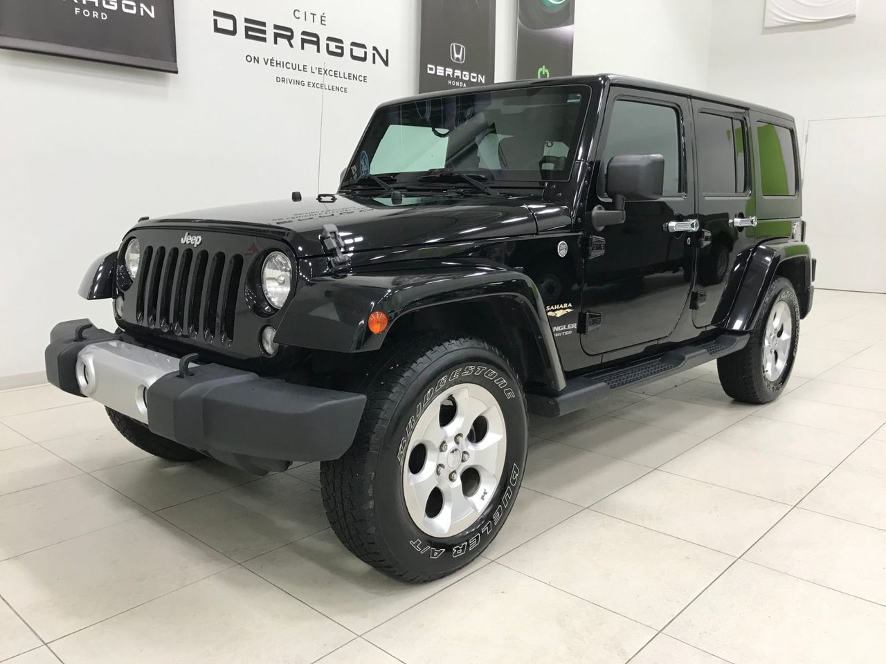 2014 Jeep  Wrangler Unlimited SAHARA, 2 TOITS, GROUPE ELECTRIQUE HITCH ROUE