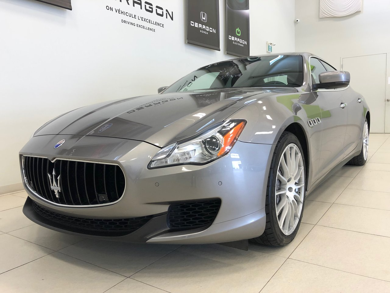 Maserati Quattroporte 2015 S Q4, 410HP, NAV, CAMÉRA, PARKING ASSIST