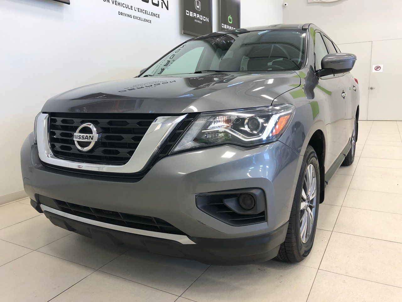 Nissan Pathfinder 2018 AWD, V6, 7 PASSAGERS, CAMÉRA