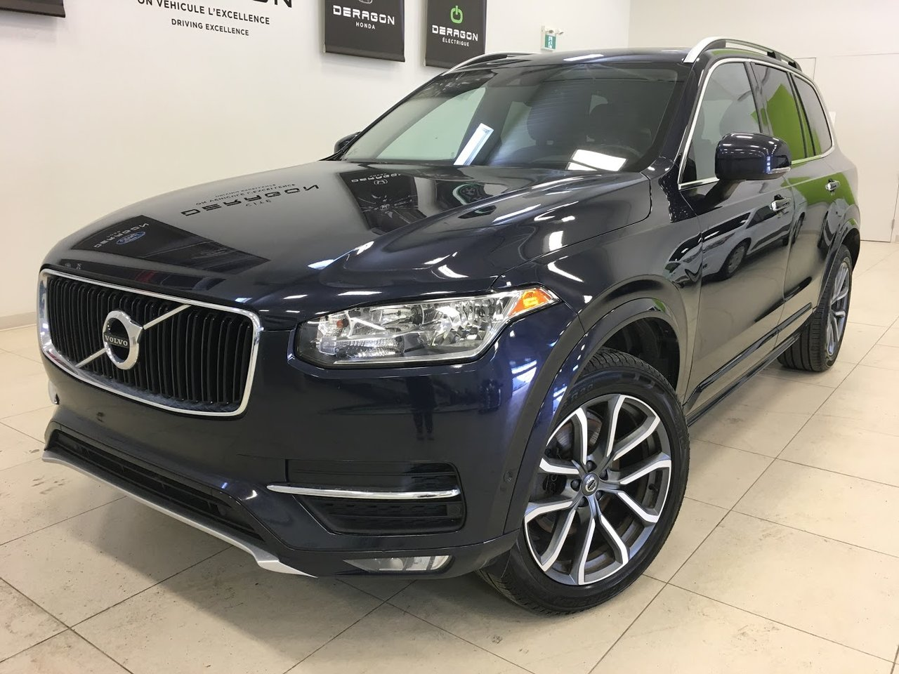 2017 Volvo  XC90 T6 MOMENTUM, CLIMATE PACKAGE, CONVENIENCE PAC
