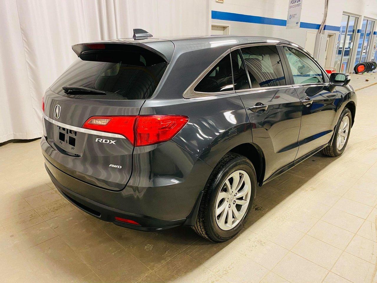2015 Acura RDX AWD 4dr Tech Pkg // JAMAIS ACCIDENTEE