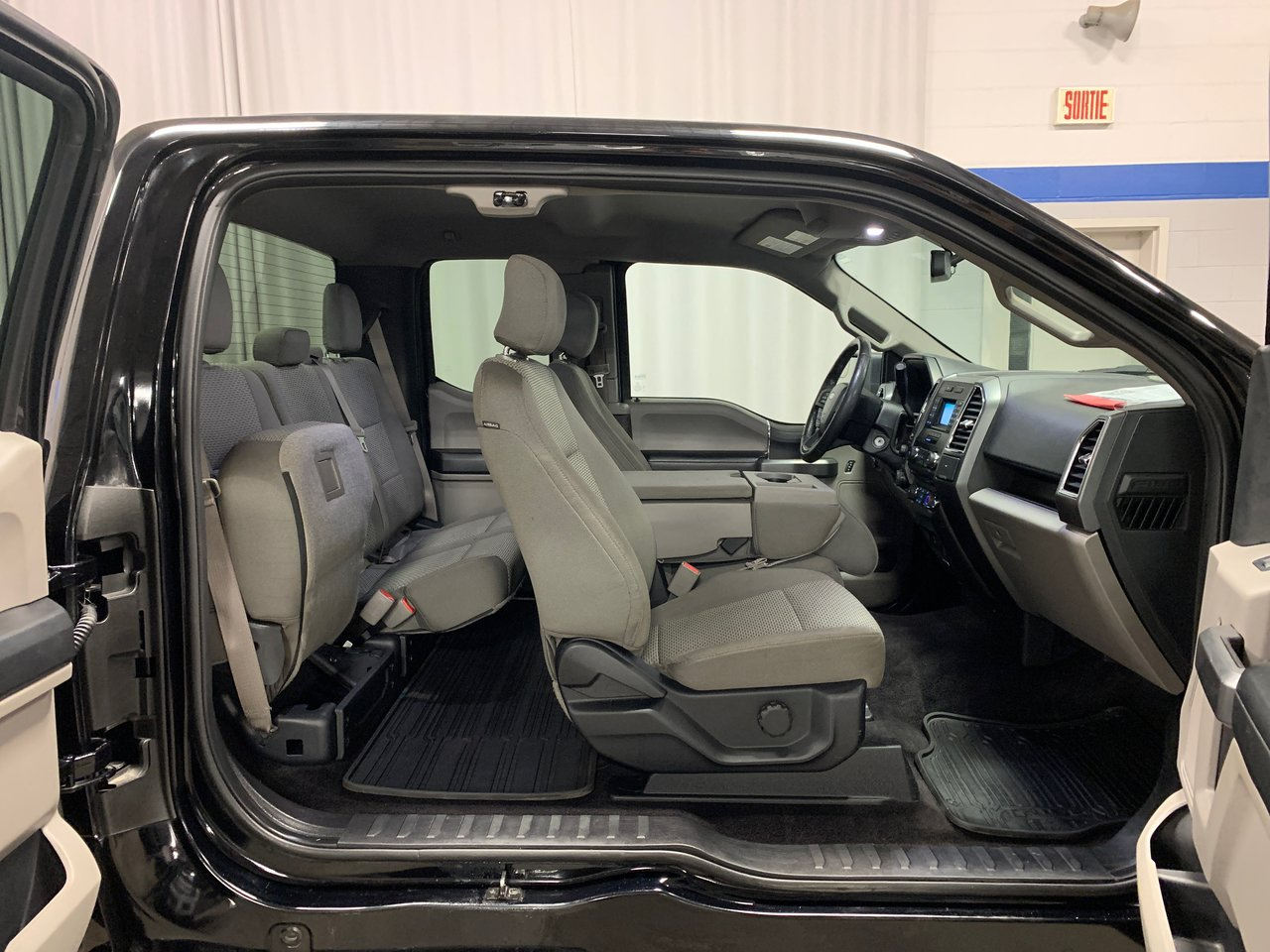 2016 Ford F-150 XLT 301A