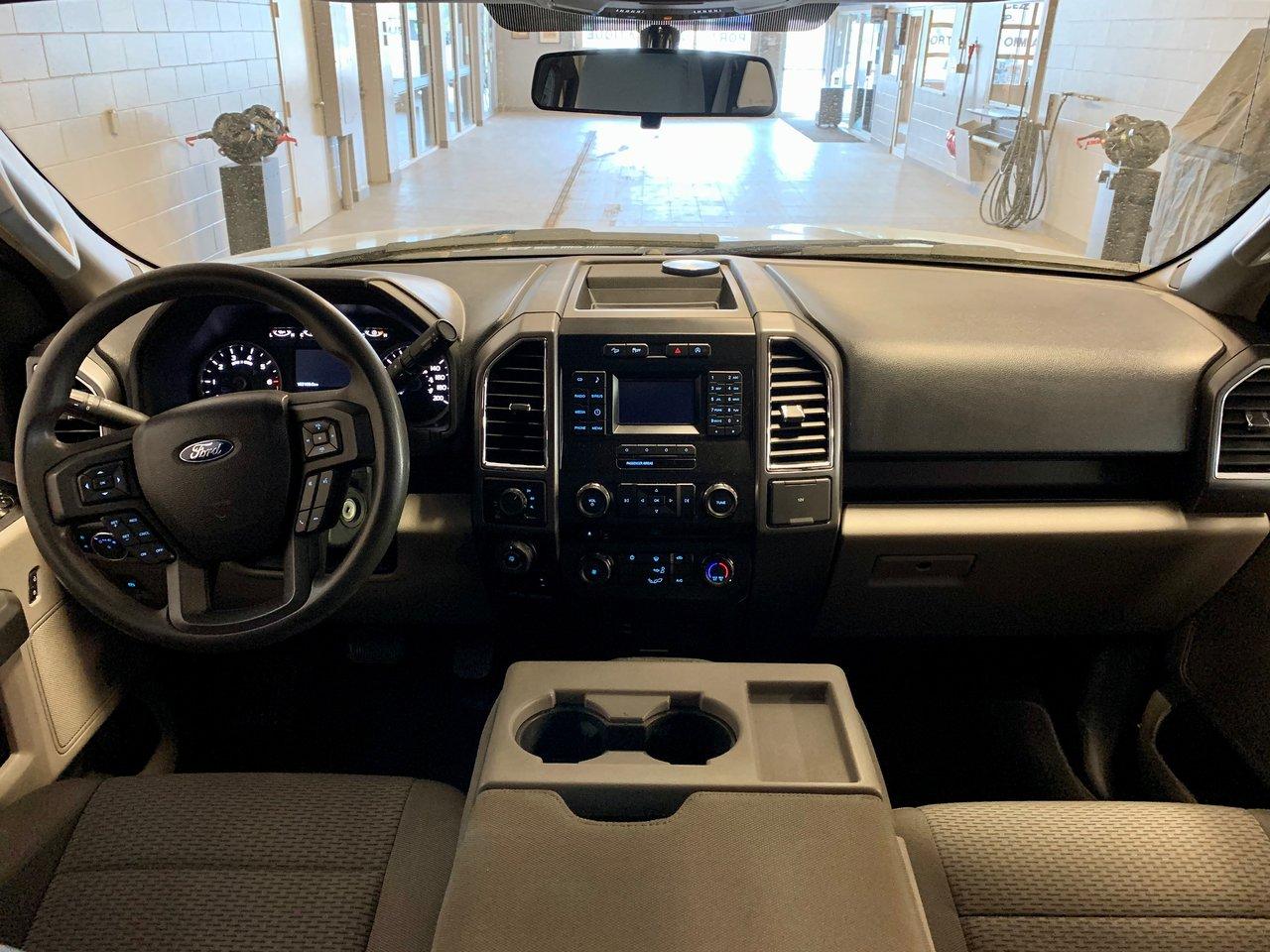 2016 Ford F-150 XLT 300A 4X4 / 2.7L ECO + 3.55 DIFF + 5.5 BOITE